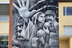 StopBombingCivilians-Haushohes-Graffiti-gegen-Bomben-auf-Wohngebiete-eingeweiht-14-von-62