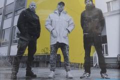 StopBombingCivilians-Haushohes-Graffiti-gegen-Bomben-auf-Wohngebiete-eingeweiht-20-von-62