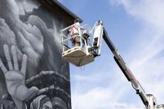 StopBombingCivilians-Haushohes-Graffiti-gegen-Bomben-auf-Wohngebiete-eingeweiht-9-von-62