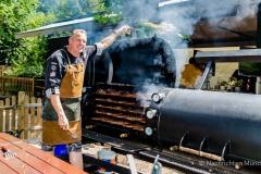 Traditionsbiergarten-Menterschwaige-wird-zu-Muenchens-BBQ-Hotspot-12-von-25