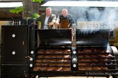 Traditionsbiergarten-Menterschwaige-wird-zu-Muenchens-BBQ-Hotspot-17-von-25