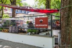 Traditionsbiergarten-Menterschwaige-wird-zu-Muenchens-BBQ-Hotspot-20-von-25