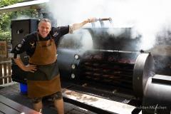 Traditionsbiergarten-Menterschwaige-wird-zu-Muenchens-BBQ-Hotspot-8-von-25