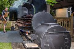 Traditionsbiergarten-Menterschwaige-wird-zu-Muenchens-BBQ-Hotspot-9-von-25