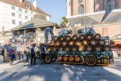Unser-Herz-fuer-die-Wiesn-2021-Muenchner-Brauer-und-Wiesnwirte-laeuten-symbolisch-Oktoberfest-ein-1-von-44