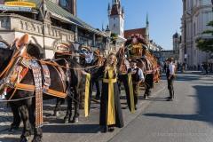 Unser-Herz-fuer-die-Wiesn-2021-Muenchner-Brauer-und-Wiesnwirte-laeuten-symbolisch-Oktoberfest-ein-5-von-44