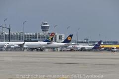 Flugzeuge-am-Flughafen-MUC-0560