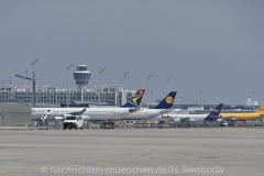 Flugzeuge-am-Flughafen-MUC-0710