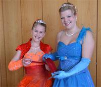 """Kinderprinzessin Melissa I. und Prinzessin Jasmin II. mit der """"Beute"""""""