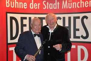 Hugo Strasser und Dieter Kronzucker - Foto: Deutsches Theater