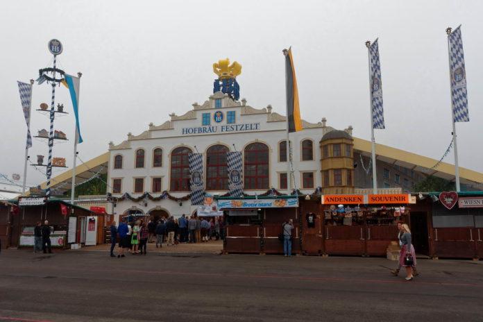 Hofbräu Festzelt auf dem Oktoberfest München