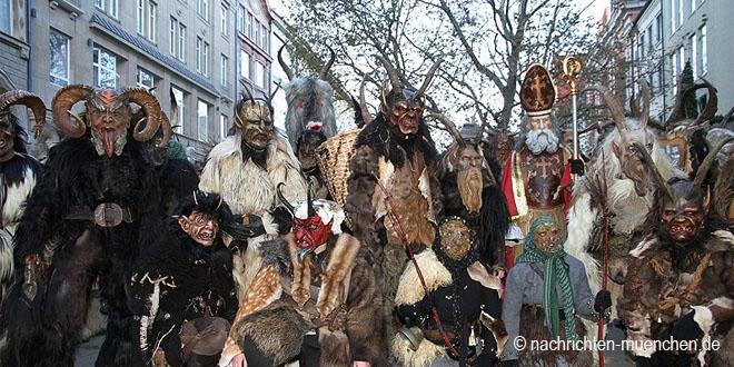 Krampuslauf über den Münchner Christkindlmarkt 2017
