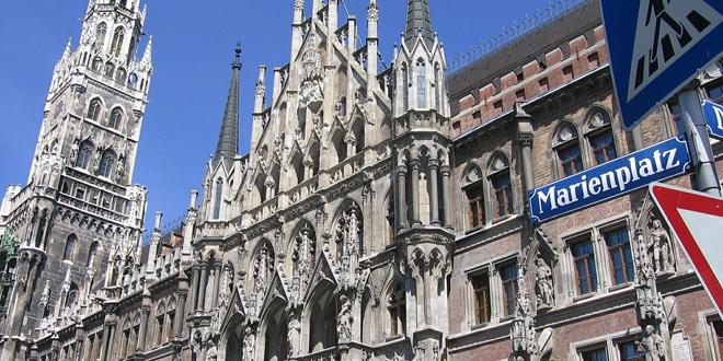 Brand am Glockenspiel des Münchner Rathauses