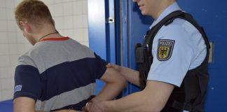 Bundespolizei nimmt drei Personen fest