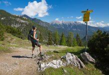 Starkenberger Panoramaweg: Auf Spuren alter Tiroler Familiengeschichten