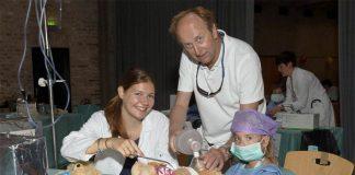 1.500 kranke Kuscheltiere von ehrenamtlichen Teddy-Docs verarztet