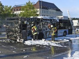 Linienbus komplett ausgebrannt