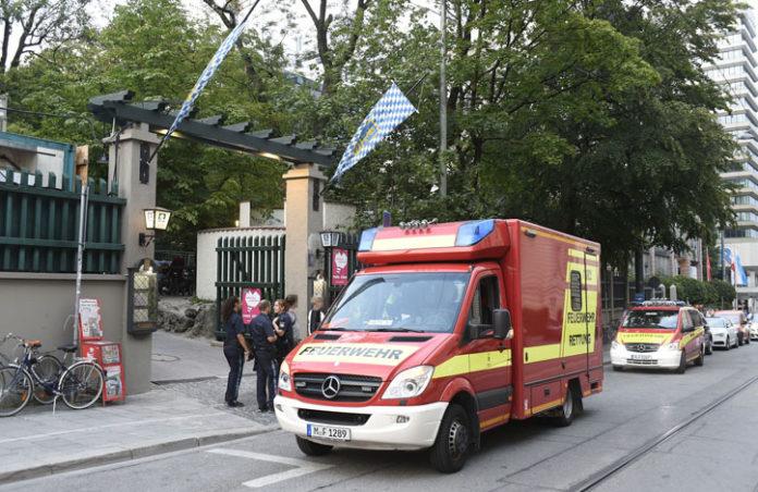 Mehrere Personen bei Wahlkampfveranstaltung durch herabstürzenden Ast verletzt