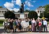 BMW Wiesn Sport-Stammtisch: Zünftiges Treffen der BMW Sportfamilie auf dem Oktoberfest