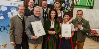 """""""Ausgezeichnetes Bayerisches Festzelt"""" - Kaniber prämiert Armbrustschützenzelt und Schottenhamel"""