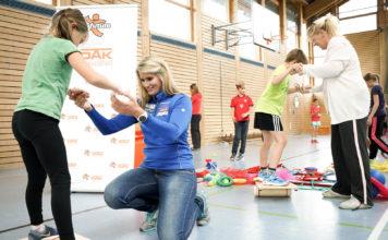 fit4future: Rennrodlerin Natalie Geisenberger macht Schüler in Bayern fit