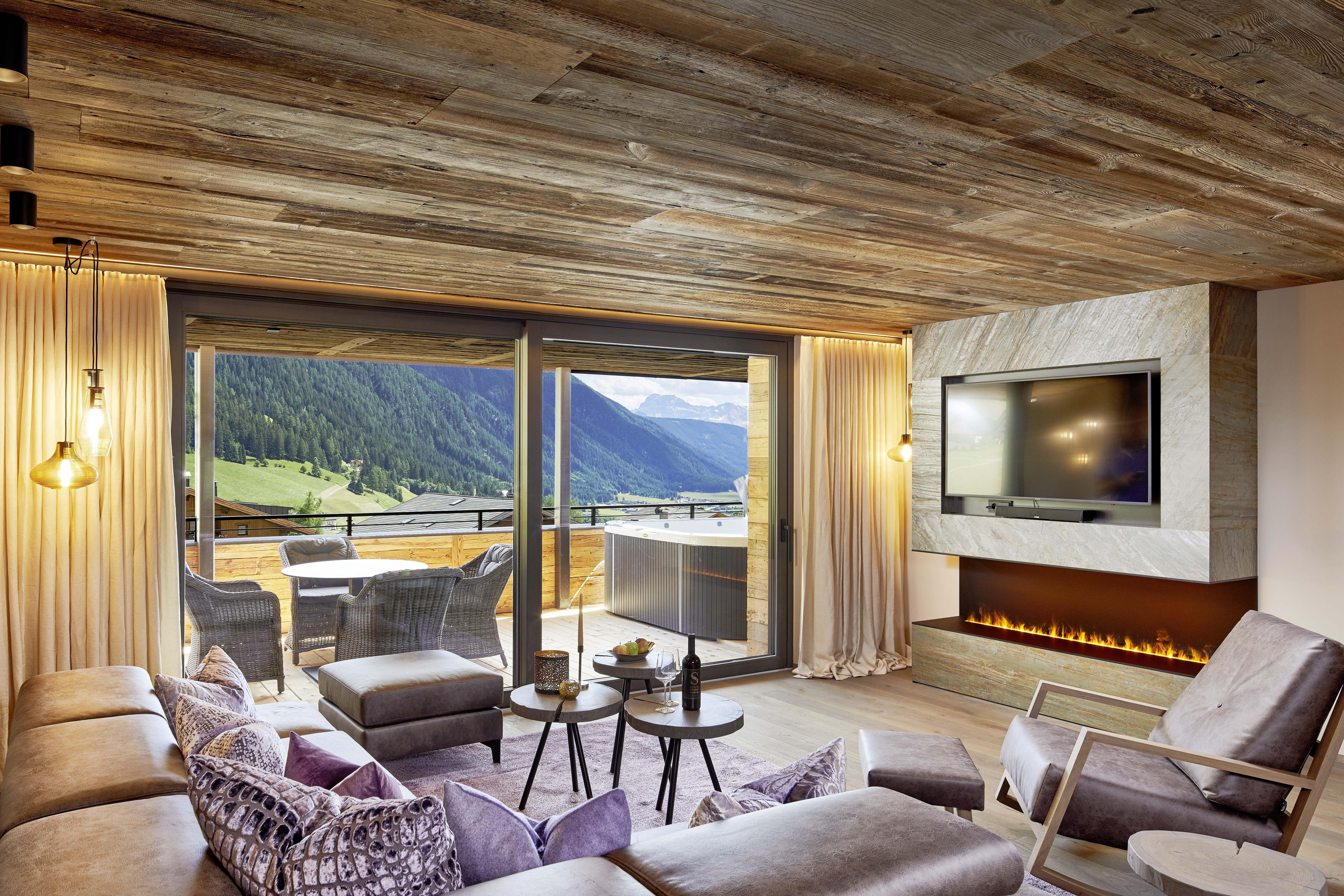 neu chalet salena luxury private lodge nachrichten m nchen. Black Bedroom Furniture Sets. Home Design Ideas