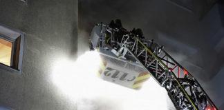 Große Rettungsaktion bei Kellerbrand in Neuforstenried