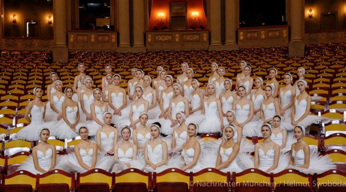 Schwanensee – St. Petersburg Festival Ballett