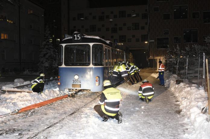 Neuhausen: Tram entgleist