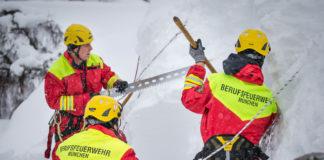 Über 400 Münchner Feuerwehrler helfen im Schneechaos im Berchtesgadener Land