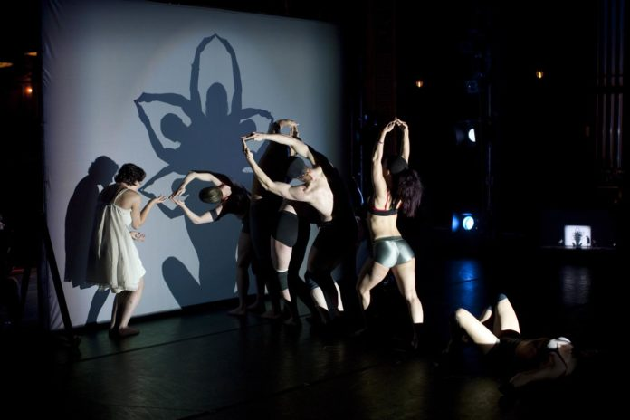 Shadowland - Pilobolus Dance Theatre 16.04. - 22.04.2019 Prinzregententheater München