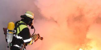 Brandbekämpfung bei Lithium-Ionen-Akkus