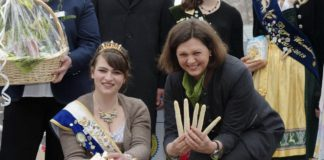Spargelsaison 2019 feierlich auf dem Münchner Viktualienmarkt eröffnet