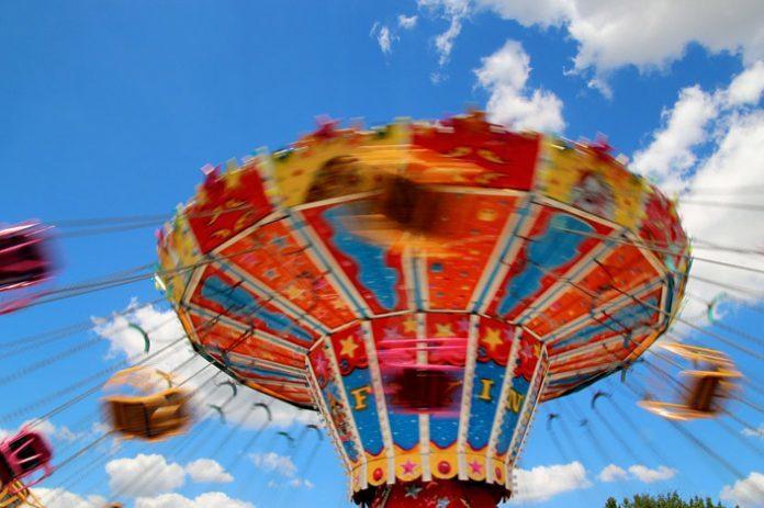 Familientag auf der Auer Maidult: Kleine Preise - großer Spaß