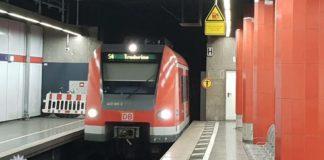 Sturz ins Gleis - 50-Jähriger wird von S-Bahn touchiert und nur leicht verletzt