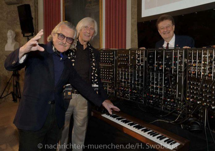 Ein Stück Musikgeschichte: Deutsches Museum bekommt Eberhard Schoeners Moog IIIp-Synthesizer