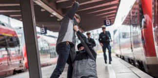 Alkoholisierte beschäftigen Bundespolizei