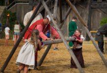 Kaltenberg: Das große Kinderritterturnier - Wasserspaß beim Lanzenstechen