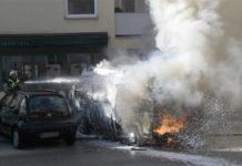 Wohnmobil in Vollbrand