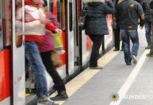 Auseinandersetzung in S-Bahn - Junger Mann nimmt Füße nicht weg – Zeugen gesucht!