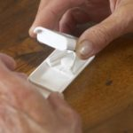 Vor dem Teilen von Tabletten den Apotheker fragen
