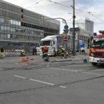 Radfahrerin von Lkw überrollt und schwerst verletzt