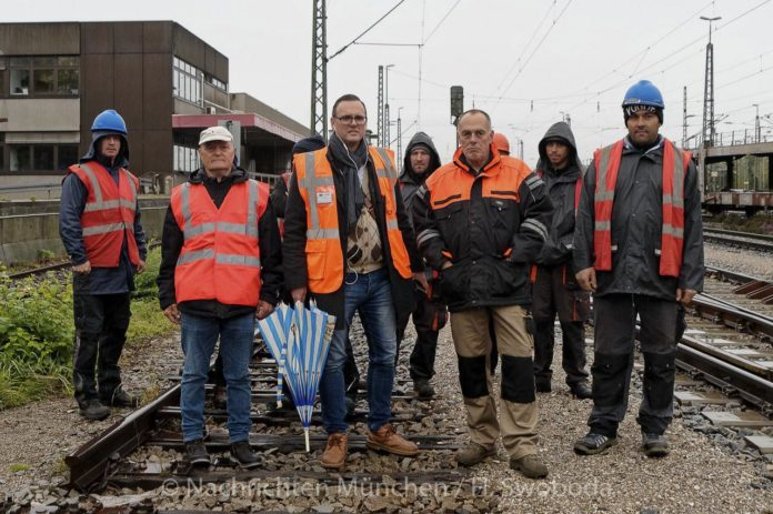 Circus Roncalli 2019 in München: Ankunft der historischen Wagen mit großer Verspätung