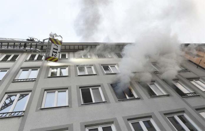Treppenhaus in Flammen