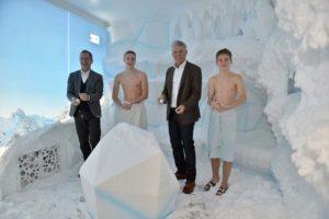 Schneekabine in öffentlichem Bad