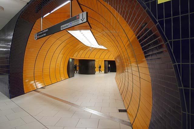U-Bahnhof Marienplatz: 32-jährige Münchnerin sexuell belästigt