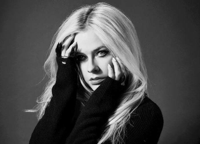 """Avril Lavigne auf """"Head Above Water World Tour"""" - 30.03.2020 im Zenith München"""