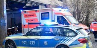 Tödlicher Arbeitsunfall - Mann stirbt durch Papierpresse
