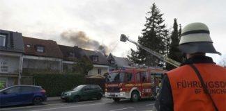 Dachstuhlbrand in Berg am Laim