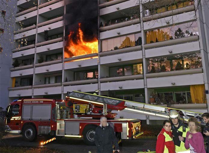 Laim: Wohnung komplett ausgebrannt